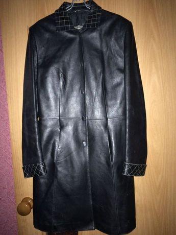 Пальто кожаное 44 размер