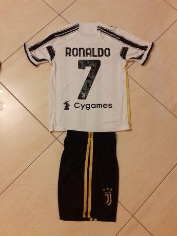 Детски Футболен Екип Роналдо Ювентус сезон 2021г + Подарък Шапка