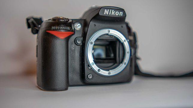 Nikon D90 cu 3 obiective si accesorii