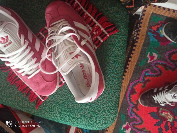 Adidas marimea 42
