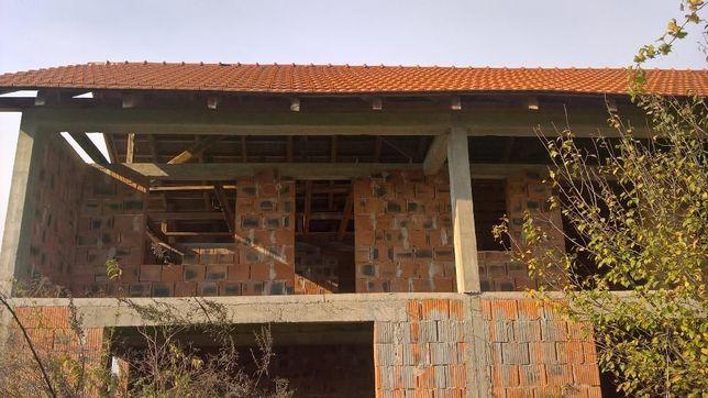 casa 4 camere in rosu ardud