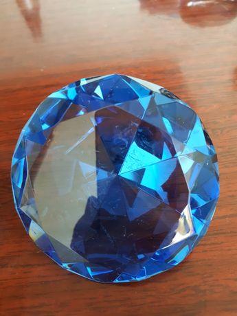 Кристаллы камни              .
