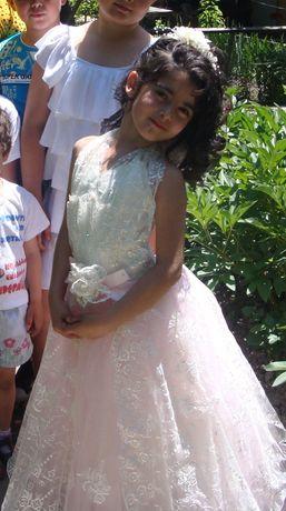 Бальное платье продам