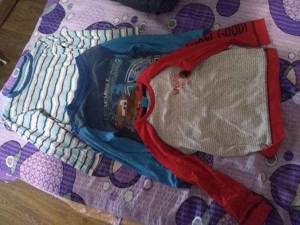 Vând bluze băiat 3-4ani