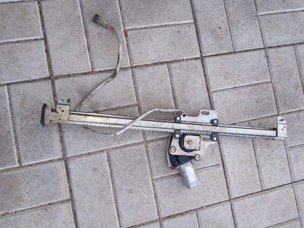 электрические стеклоподъёмники передние задние на УАЗ Патриот