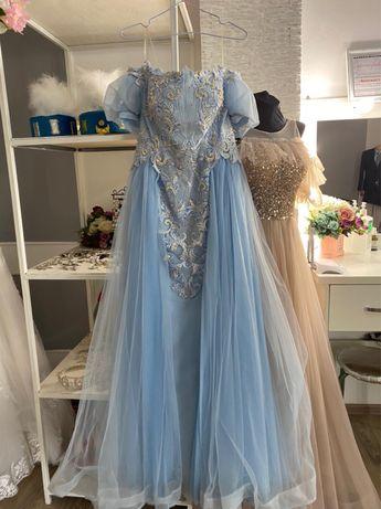 Продам вечерние платья!!!