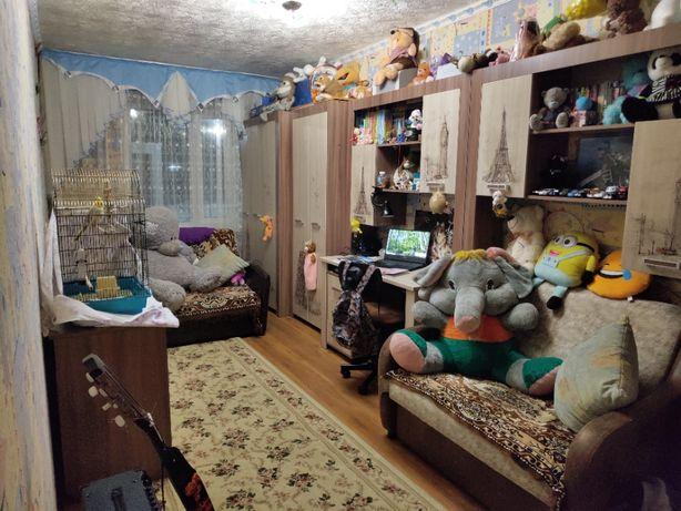 Срочно продам 3-х комнатную квартиру в 5 этажном доме в районе Евразии