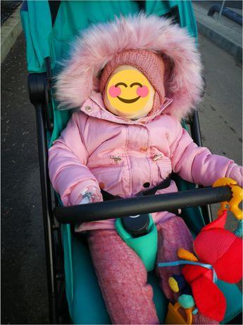 Geacă de iarnă, fetiță, potrivită pentru vârsta de 1 an.