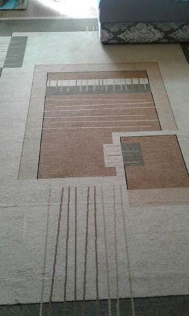 Ковер, рисунок абстракция, в хорошем состоянии,размер 2м × 3м.