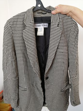 Женский пиджак продаю