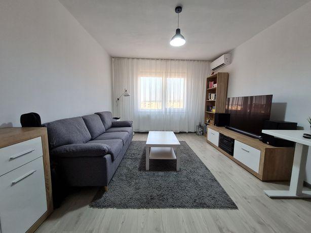Vând apartament modern complet mobilat