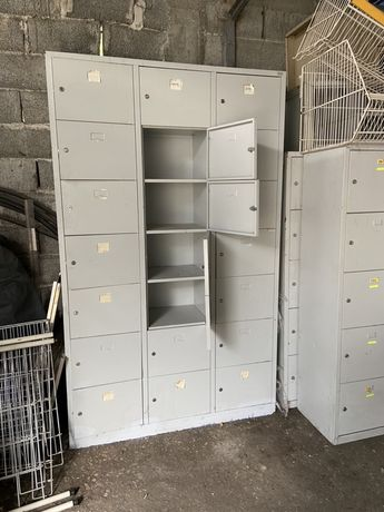 Метален шкаф гардероб за лични вещи 21 секции