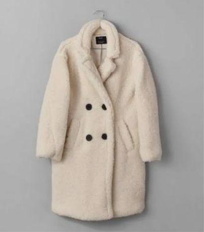 Тедди пальто Bershka