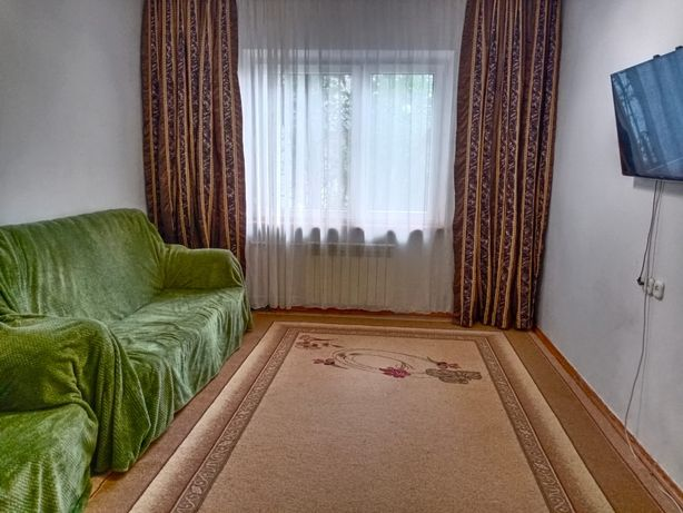 Продам 3-х комнатную улучшенную квартиру в два уровня *срочно*