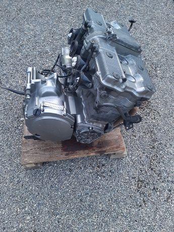 Motor suzuki gsx 600 F