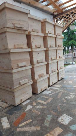 Cutii pentru albine
