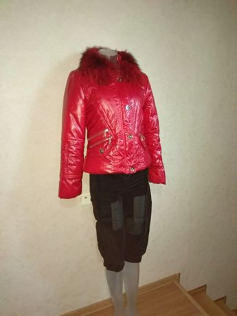Куртка лаковая, красного цвета