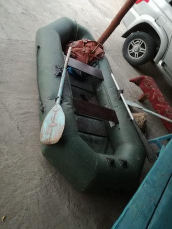 Срочно продам лодку!!! Почти новая. А ьакже рыболовные сетки есть