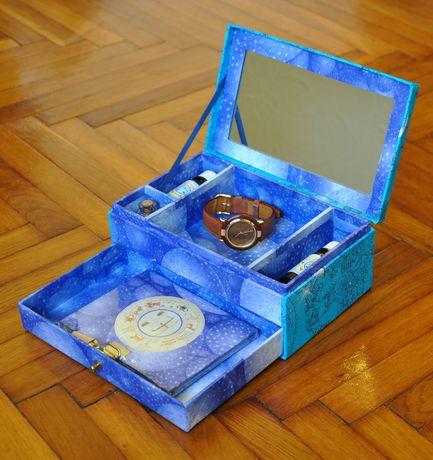 Ceas Quartz, curelusa de piele si accesorii cadou, in caseta