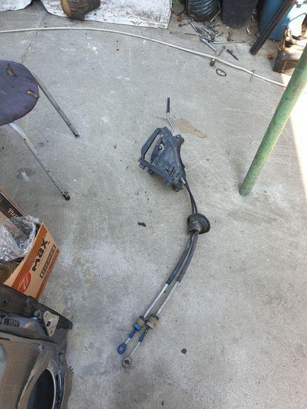 Продавам жила за скорости и лост от Пежо 308 1.6hdi
