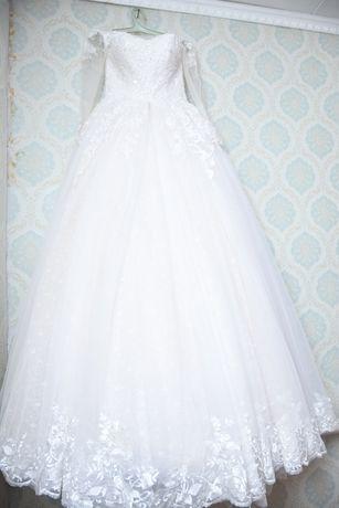 Продам свадебный платья 44-46-48 регулируется корсетом