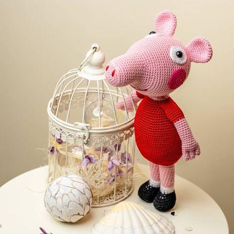 Плетени играчки на една кука -Свинка Пепa (Pepa Pig)  и Щурче