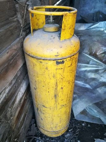 Большой желтый газовый баллон