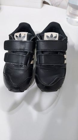 Кроссовки adidas для малыша
