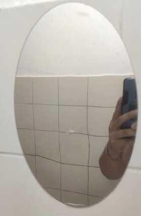 Самоклеющееся зеркало на стену. Акриловое зеркало самоклеющееся.