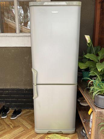 Холодильник и морозильник!