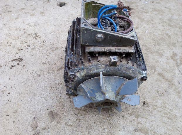 Motor electric folosit