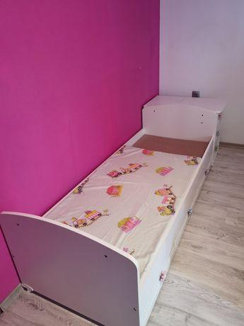 Детско легло , люлка и бюро