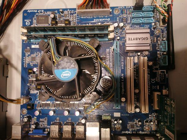 Placa de baza GIGABYTE GA-H55M-S2 + Procesor Intel Core i3 540 3.06GHz