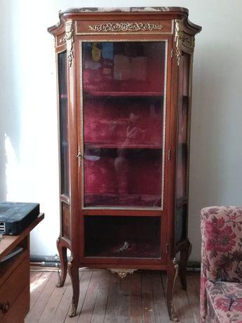 Старинна витрина - стъклена
