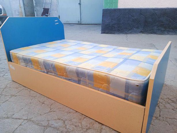 Продам кровать с матрасем 130*80см по 6000тг