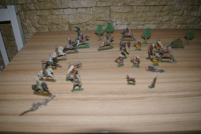 Vand lot de figurine vechi de plumb,cu patina originala-de colectie
