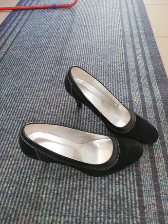 Pantofi din piele naturala întoarsă