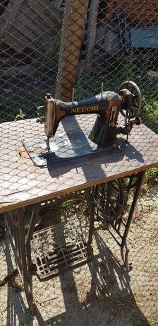Колекционерска шевна машина (антика)