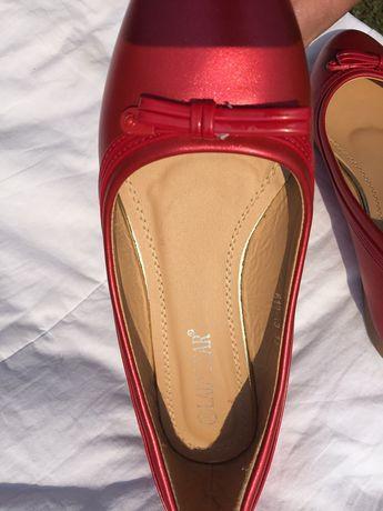 Pantofiori fetița