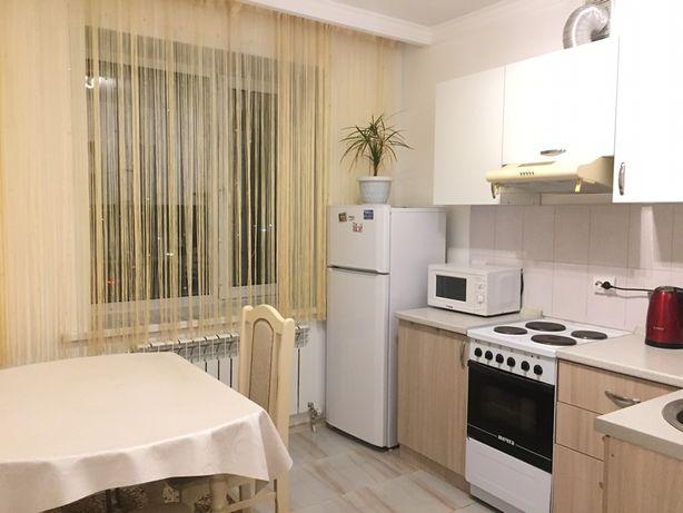 1 комнатная квартира посуточно Нурлыжол вокзал Байтурсынова Жургенева