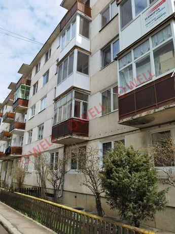De vânzare  pe str. Aleea Avântului un apartament cu 3 camere.