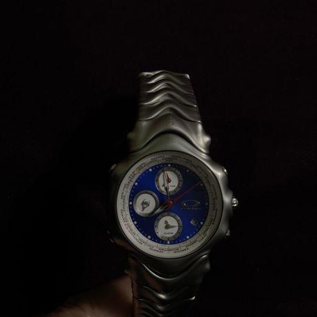 Ceas Oakley GMT argintiu satin Blue-face 10 bar