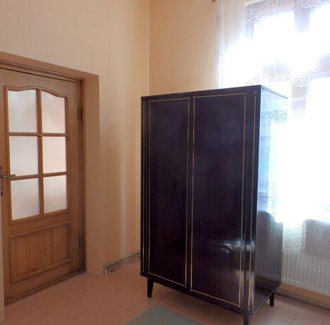 sifonier furnir cu 2 usi L fata x A x H :105 x60 x 174 cm