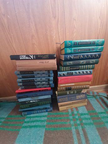 Книги старые всё за 1500