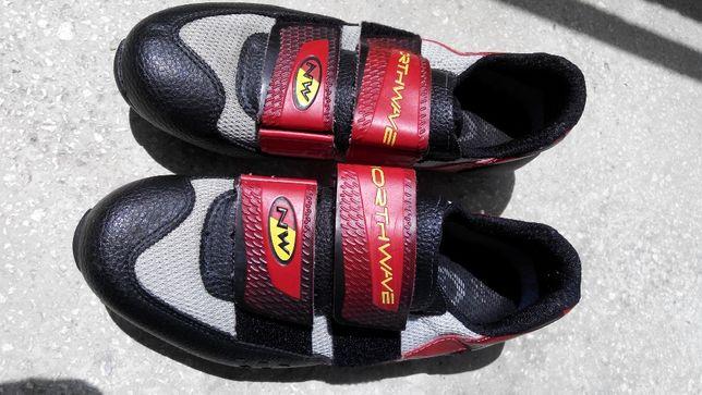 Pantofi ciclism SPD, Northwave, nr.39 , 25 cm talpicul,cu placute