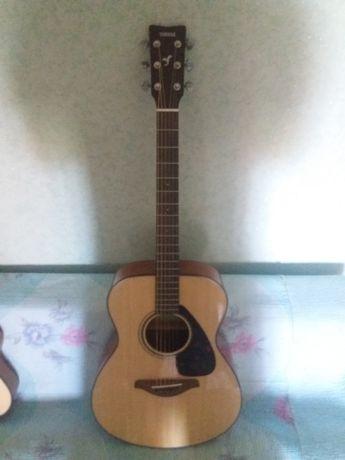 Гитара Yamaha fs800