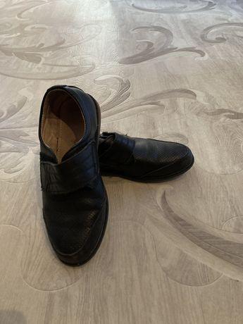 Туфли для мальчика 1000тг р-р 35