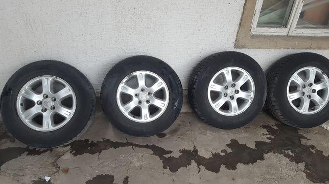 Резина Nokian и диски на Toyota Highlander