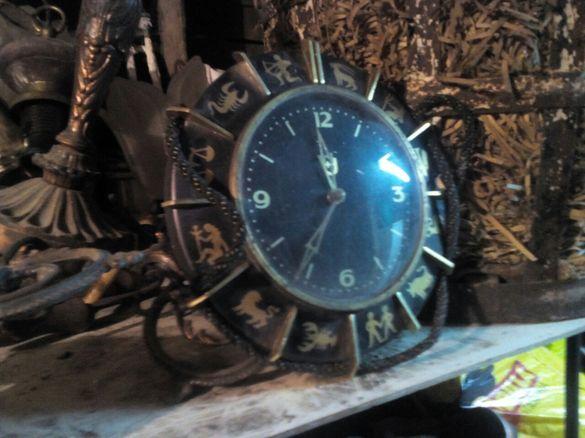 Продавам часовник Зодиак с антикварна стойност.