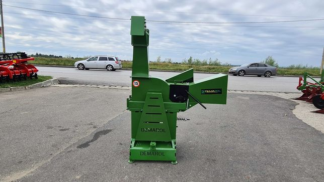 Tocator crengi pt tractor Demarol Denis R12
